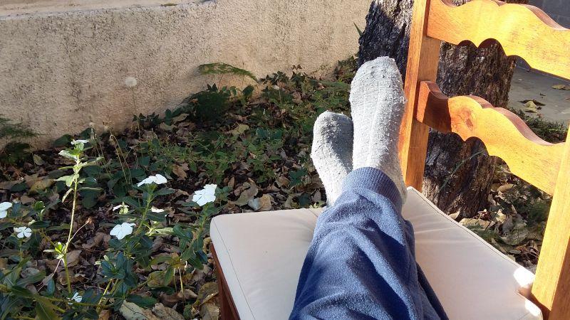 Amplitudo Lifestyle: pés do escritor ao sol